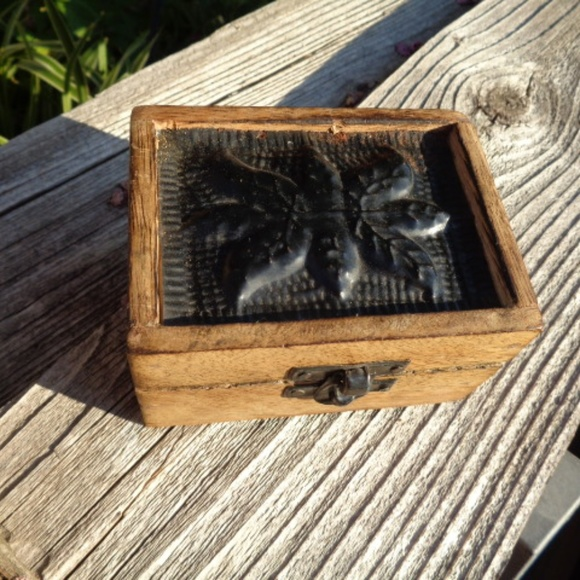 VTG Small wooden stash box